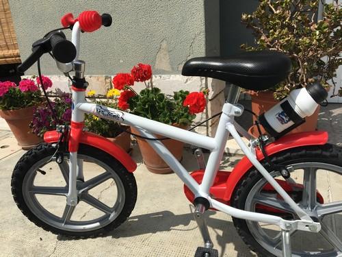 Bicicletta bimbo/bimba bianca e rossa.